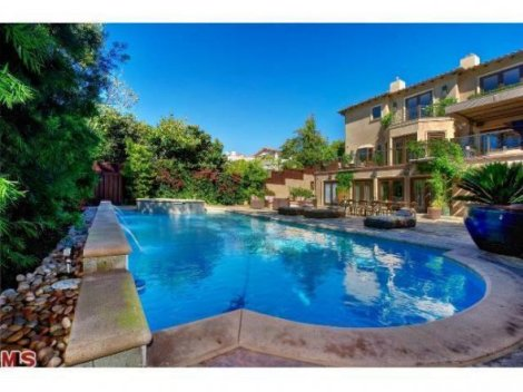 Superbowl Champ Michael Strahan Selling His LA Home For $6.95M