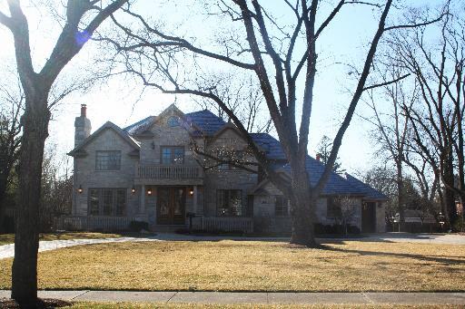 Photo: house/residence of the cool talented intelligent  20 million earning Atlanta, Georgia-resident