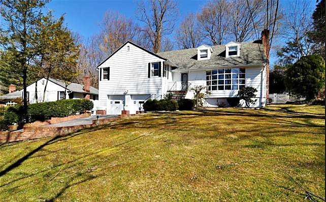 ray rice home in new rochelle new york professional athlete homes rh professionalathletehomes com ray rice domestic violence case ray rice new home
