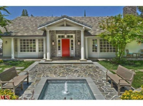 Nick Young and Iggy Azalea Buy Selena Gomez's $3.45M CA Home