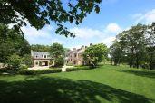 Tom Brady and Gisele Bündchen Selling Massachusetts Home for $39.5M