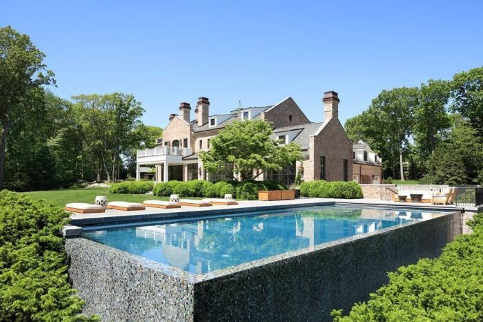 Tom Brady and Gisele Bündchen Selling Massachusetts Home for $39.5M